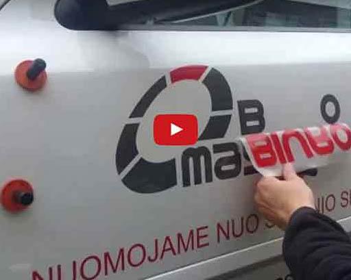 Teksto ir logotipo klijavimas ant automobilio